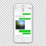 与绿色闲谈信使的现实白色电话模板在屏幕上 传染媒介在透明隔绝的详述的例证 向量例证