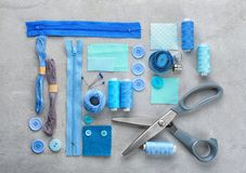 与缝合针线和辅助部件的构成 免版税库存照片