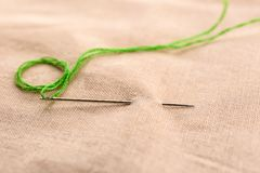 与缝合针线和针的织品 库存图片
