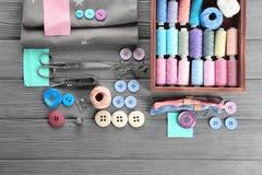 与缝合针线的构成,织品 图库摄影
