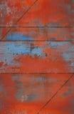 与缝的脏和生锈的金属背景 免版税库存照片