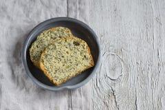 与罂粟种子的简单的蛋糕 库存照片