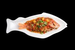 与罗望子树的泰国红鲷鱼 免版税库存图片