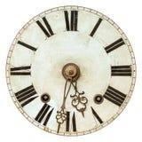 与罗马数字的老时钟表盘 库存图片