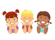 与美丽的微笑牙的愉快的孩子 免版税库存图片