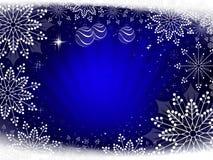 与美丽的白色雪花的圣诞节深蓝构成 皇族释放例证