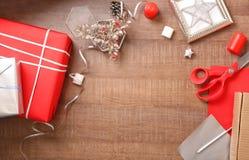与美丽的礼物盒的构成 免版税图库摄影