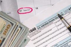 与美元的报税表1040 免版税库存图片