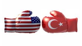 与美国和土耳其旗子的拳击手套 图库摄影