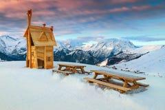 与美好的全景的休息区在法国阿尔卑斯,法国 库存图片