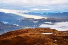 与美好的阳光,乔治亚的山风景 库存照片