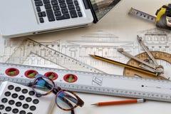 与老历史的计划和有用的工具的建筑学计划 向量例证