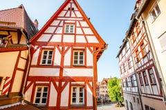与老房子的街道视图在Nurnberg,德国 免版税库存图片
