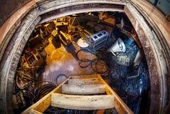 与老材料的地下室 库存图片