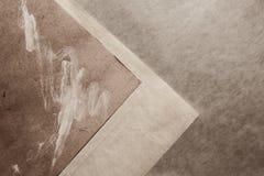 与老灰色纸的背景 免版税库存图片