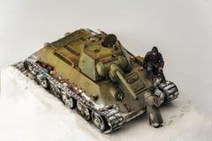 与老苏维埃t 34坦克的西洋镜 库存照片