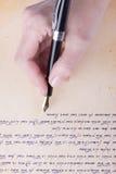 与老钢笔原稿的手文字 库存照片
