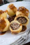 与肉装填的土豆饺子 免版税库存照片