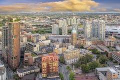 与胜利广场的BC温哥华都市风景 免版税图库摄影