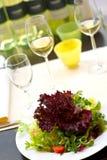 与胜利的包括的餐桌 免版税库存照片