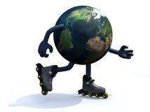 与胳膊、腿和rollerskates的地球 免版税库存照片