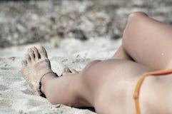 与脚踝袜的性感的脚 免版税库存图片