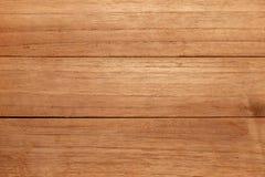 与自然样式背景天际的红色木纹理 免版税库存图片