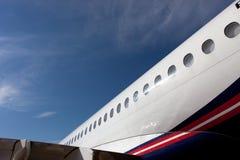 与航空器苏霍伊超音速喷气飞机的舷窗的机体元素 图库摄影