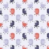 与色的办公室椅子的无缝的样式 免版税库存照片