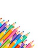 与色的铅笔的白色背景 皇族释放例证