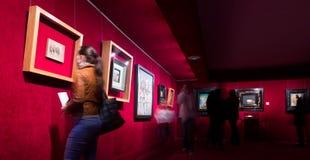 与艺术家著名工作的内部在大理博物馆 免版税库存照片