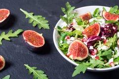 与芝麻菜的秋天沙拉 免版税库存照片