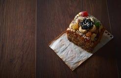 与芝麻籽和甜点的自创冰糕 亲人的曲奇饼 背景许多饺子的食物非常肉 可能 免版税库存照片