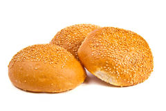 与芝麻籽的小圆面包 库存照片