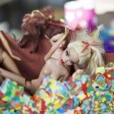 与芭比娃娃玩偶的五颜六色的构成 免版税库存照片