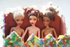 与芭比娃娃玩偶的黑白构成 免版税图库摄影
