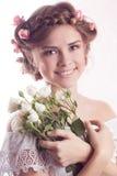与花卉精美发型的模型 免版税库存照片