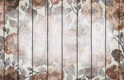 与花卉设计的被绘的木背景墙纸 免版税库存照片