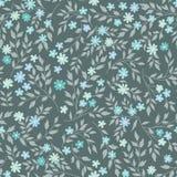 与花和叶子的花卉无缝的样式 装饰物后面 免版税库存照片