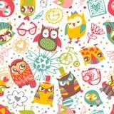 与花和时兴的事的猫头鹰无缝的背景。听见 免版税库存图片