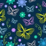 与花和蝴蝶的花卉无缝的样式 - Illustra 免版税库存图片
