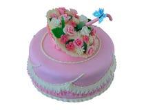 与花和蝴蝶的蛋糕 免版税库存图片