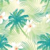与花无缝的样式的热带棕榈树 库存照片