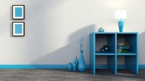 与花瓶、书和灯的蓝色架子 免版税库存图片