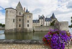 与花的城堡 免版税库存图片