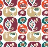 与花的装饰墙纸模式 免版税库存照片