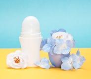 与花的身体止汗防臭剂岁月流逝在盖帽 库存图片