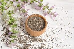 与花的Chia种子健康超级食物 免版税库存图片
