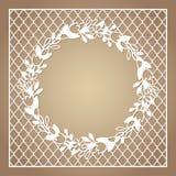 与花花圈的透雕细工方形的框架  激光切口模板 免版税库存图片