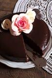 黑暗的巧克力蛋糕 免版税库存图片